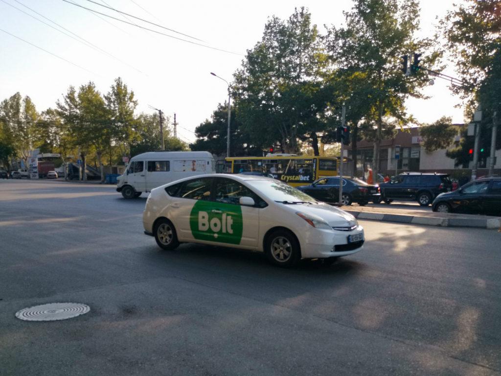 Transport w Gruzji - taksówka zamówiona aplikacją Bolt