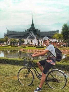 Dejw w Ancient Siam (Bangkok)