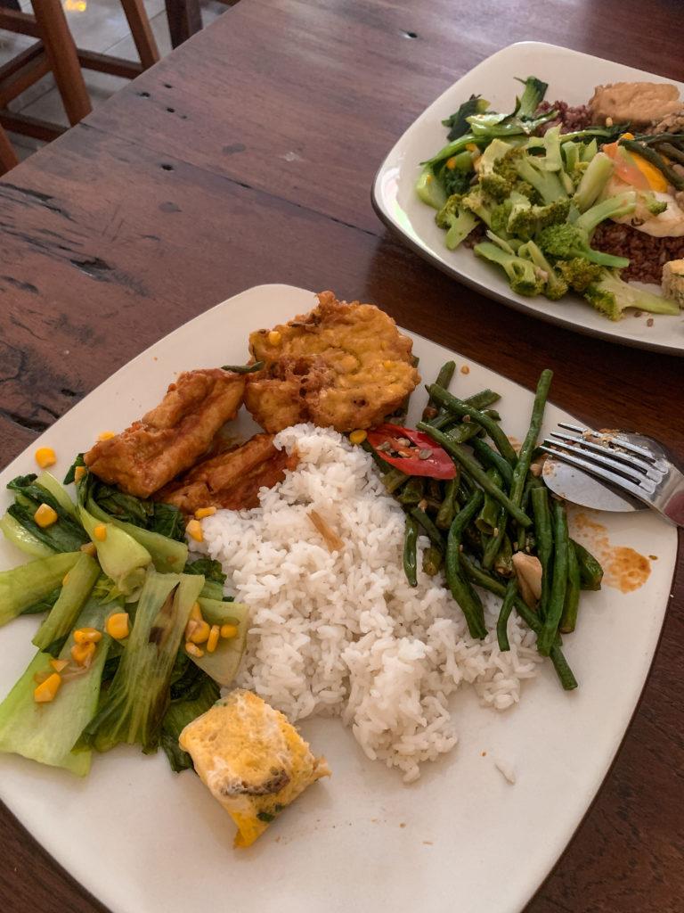 Gdzie dobrze zjeść w Canggu - warung Bu Mi