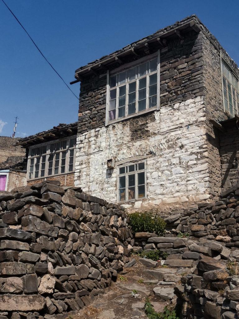 Przykładowe domostwo w Xinaliq