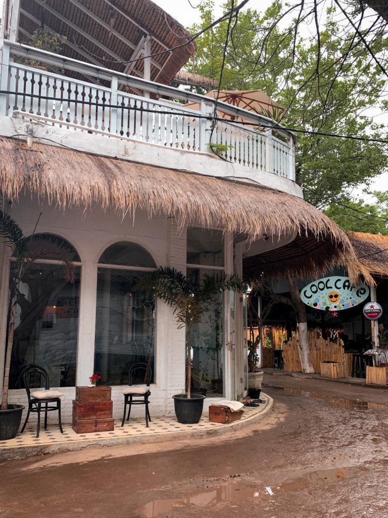 Wyspy Gili - nowoczesna restauracja na Gili T