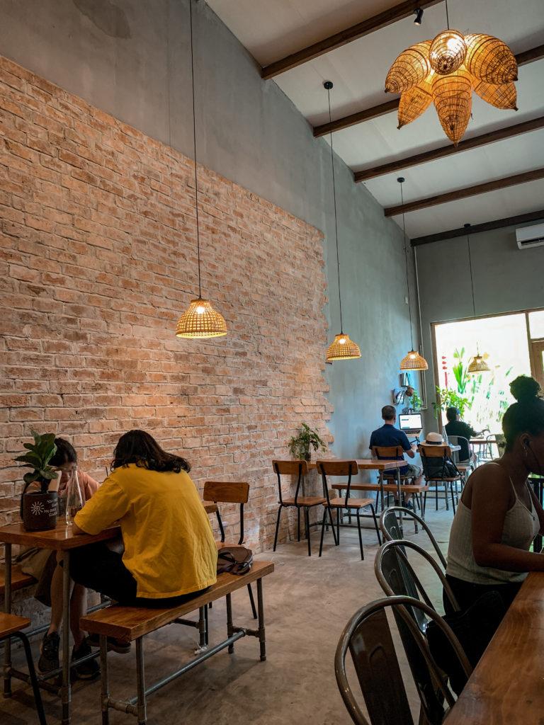 Kawa w Da Nang - kawiarnia The Hideout Cafe